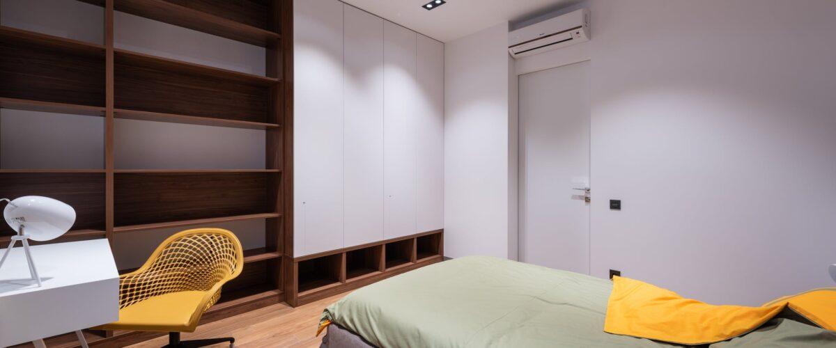 armario y estanteria